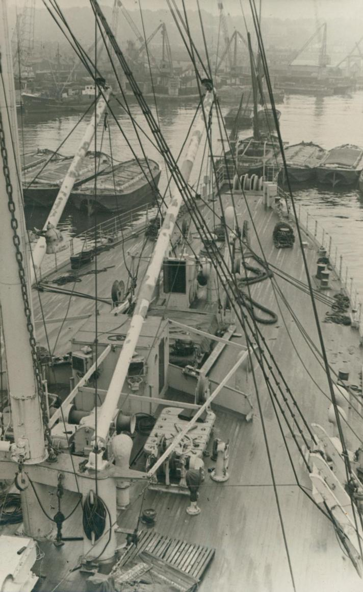 1959 - British Post Office Cable Ship HMTS Iris -